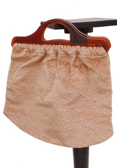efa31604375 1960 Vintage Peach Dralon Knitting Bag with Plastic handles