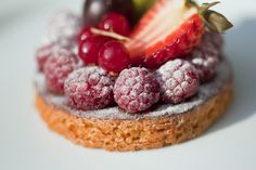 Tart with fresh fruits by Jacques Palut, via 500px