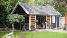Bbq Shed, Garden Lighting Diy, Garden Retaining Wall, Rose Garden Design, Backyard Buildings, Gable Roof, English Country Gardens, Back Patio, Home And Garden
