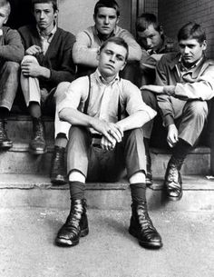 Skinhead About Our Subculture! Oi, Rash, Sharp, Traditional and Trojan. We Are Not Nazis! We Are Skinheads! Dr. Martens, Teddy Boys, Fred Perry, Skinhead Fashion, Skinhead Style, Skinhead Men, Boy Fashion, 1960s Fashion, Estilo Punk Rock