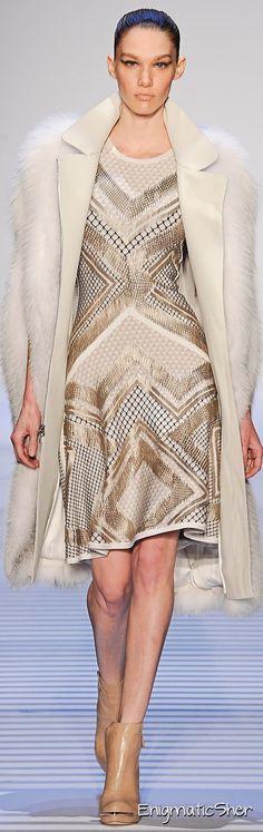 New York Fashion Week - Herve Leger by Max Azria Fall/Winter 2014 Runway Fashion, High Fashion, Fashion Show, Fashion Design, Fashion Trends, Nyc Fashion, Fashion Inspiration, Max Azria, Monique Lhuillier