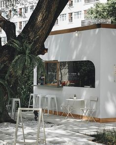 The outdoor cafe Arabica at Beaupassage in St Germain Cafe Shop Design, Small Cafe Design, Bakery Design, Small Coffee Shop, Coffee Store, Italian Interior Design, Restaurant Interior Design, Cafe Restaurant, Modern Restaurant