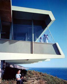 ARTIST: Julius Shulman TITLE: Spencer Residence, Malibu, CA (Richard O. Spencer, architect) DATE: 1955