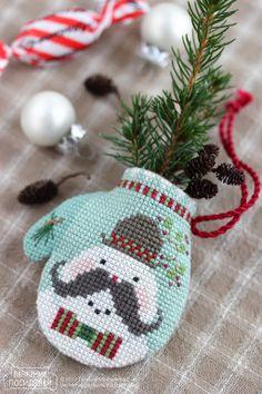 Mustachioed snowman -- love him!
