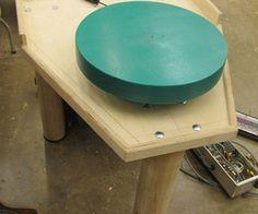 Pt.  1 Como construir uma roda de oleiro com um motor de esteira!
