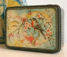 Old tin with bird. Thought it was in keeping with my grandparents old tin