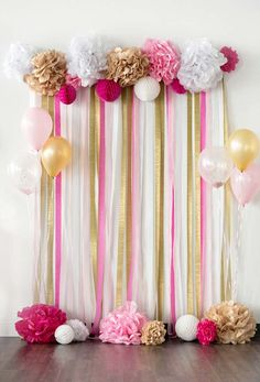 Pink and Gold Birthday Party Ideas- pink and gold tissue paper pom-pom backdro… Pink und Gold Geburtstagsfeier Ideen – rosa und Gold Seidenpapier Pom-Pom Hintergrund – …– – Pink Und Gold, Rose Gold, Pink White, White Lace, Pink And Gold Birthday Party, Girl Birthday, Pink Gold Party, Women Birthday, Diy Birthday Party Baby