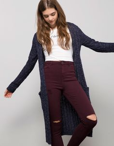 Outfit-Giacca lunga BSK aperta con cappuccio.Bershka. Long Jacket Maglione  Cardigan 09548cc5276
