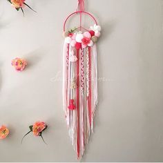 Image of PoomDream Peace Flowers Dream Catcher Wedding, Dream Catcher White, Dream Catchers, Yarn Wall Art, Diy Wall Art, Gift Wrapping Techniques, Craft Images, Boho Diy, Diy Home Crafts