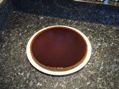 Pâte sablée au Chocolat 270g farine 2 cac cacao en poudre 100% 125g sucre 125g beurre 1 oeuf Mélanger tous les ingrédients. Placer 2h frais. Préchauffer le four à 170°c. Abaisser la pâte, foncer un cercle à tarte de 26cm de diamètre. Piquer la pâte et...
