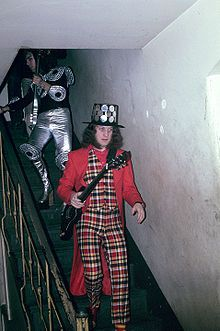 Noddy Holder. Lead-singer with Slade 1966-1991 - greatest rock-vocalist ever! (and it's not up for discussion)