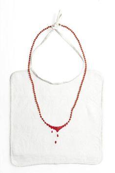 Manon Van Kouswijk - collier-bavette - coton, or et fil, perles de corail. - Musée des Arts Deco Paris