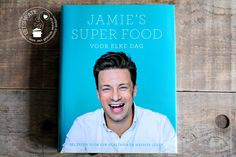Ik las het boek Everyday Superfood van Jamie Oliver en ik vind het een aanwinst in mijn boekenkast.