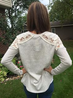 Le Lis Columbus Pullover Top. Love the shoulder detail. Nice and casual and comfy looking