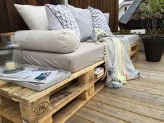 Ikke undervurder å bo godt - Botrend Throw Pillows, Bed, Table, Furniture, Home Decor, Cushions, Homemade Home Decor, Stream Bed, Mesas