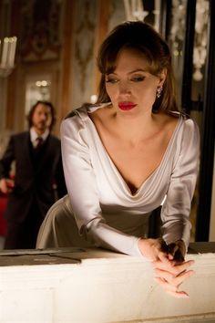 Johnny Depp as Frank Tupelo & Angelina Jolie as Elise Clifton-Ward - The Tourist