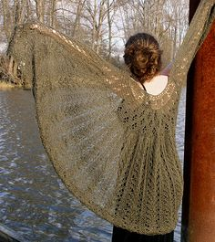 Flowers, Vines and Hearts Shawl free knit pattern