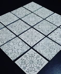 Nos tuiles sont finies … # tile # myjob❤️ ​​ - DIY et Bricolage Stencil Art, Stencil Designs, China Painting, Dot Painting, Pottery Painting, Ceramic Painting, Textile Pattern Design, Madhubani Art, Turkish Art