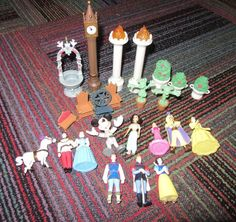 DISNEY WORLD CINDERELLA CASTLE MONORAIL PLAYSET FIGURE & ACCESSORY 24 PIECE LOT #DISNEY