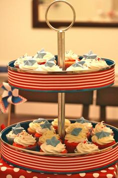 """""""Ice Cream, Cupcakes and {Pie} of July Party - easy DIY chocolate stars on top of cupcakes as toppers"""" Patriotic Crafts, Patriotic Party, 4th Of July Party, Fourth Of July, 4th Of July Desserts, Party Desserts, Dessert Party, Chocolate Stars, Independence Day July 4"""