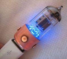 Vacuum Tube Flash Drives Combine Old School, New School Tech http://amzn.to/2st6Uoa