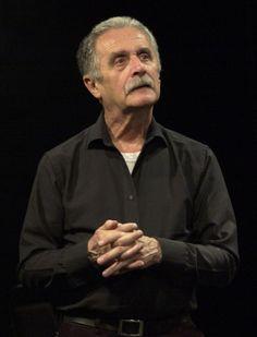 Bruno Bert Maestro área Actuación Director de varias puestas en escenas en la escuelas como: Geografía, La opera de los tres centavos, entre otras.