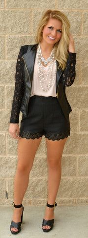 Picture of Cut-Out 4 Fame Leather Shorts Las Vegas Outfit, Vegas Outfits, Dress Outfits, Cool Outfits, Cocktail Party Attire, Fashion Ideas, Fashion Outfits, Womens Fashion, Turning 25