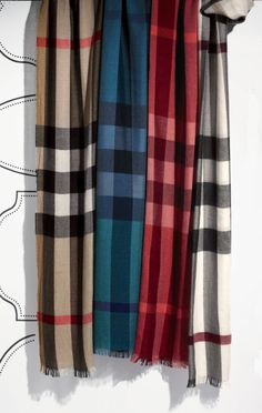 Burberry Scarf With 4 Different Colors Burberry Scarf, Burberry Handbags, Tartan Plaid, Plaid Scarf, Checked Scarf, Mode Chic, Swagg, My Wardrobe, Passion For Fashion