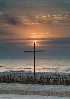 How to Take Good Beach Photos Jesus Faith, Faith In God, Jesus Christ, Savior, Scenery Pictures, Winter Pictures, Jesus Pictures, Cross Pictures, Religious Pictures