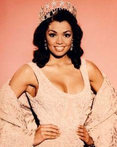 Chelsi Smith, Miss USA 1995 (Texas)...later won Miss Universe 1995