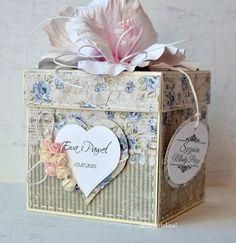 wedding exploding box Paper Flowers Craft, Paper Crafts, Scrapbook Box, Scrapbooking, Exploding Gift Box, Christmas Gift Card Holders, Pretty Box, Wedding Boxes, Copics