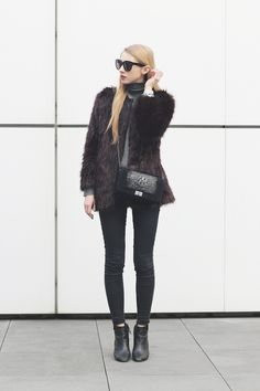 a4601b87122 Pavlina Jagrova is wearing a burgundy fluffy coat from H M
