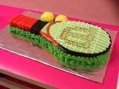 Pastel decorado tarta fondant, raqueta de tenis www.ameliabakery.com