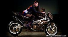 Custom - Aprilia Tuono Stingray by Vilner Street Motorcycles, Racing Motorcycles, Motorcycle Bike, Lady Biker, Biker Girl, Ducati 1299 Panigale, Stunt Bike, Vans Girls, Small Cars