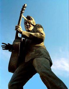 #Elvis statue on Beale Street, Memphis Tennessee