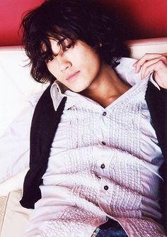 Japanese boys are ♥. Akanishi Jin, Kento Nakajima, Japanese Characters, Japanese Boy, Face Hair, I Got You, Actor Model, Attractive Men, Asian Boys