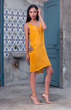 Hace unos días recibí un mail de una de vosotras preguntando por esta marca de vestidos para invitadas, pues bien como vuestros deseos son órdenes, aquí os