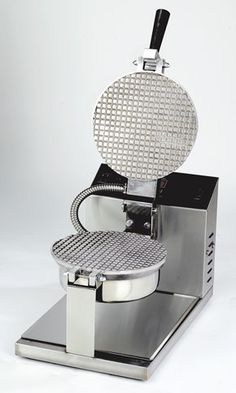 Gold Medal Products Company Electronic Control Giant Cone Baker features a new hinge design for perfect grid alignment. Electronic control assures even cooking temperature. Best Belgian Waffle Maker, Best Waffle Maker, Waffle Cone Maker, Waffle Cones, How To Cook Broccoli, How To Cook Eggs, Cooking Broccoli, Must Have Kitchen Gadgets, Bubble Waffle