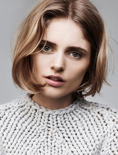 The best medium length blunt hair cuts My Hairstyle, Pretty Hairstyles, Bob Hairstyles, Hair Cute, Great Hair, Short Bob Haircuts, Short Hairstyles For Women, Hair Dos, Hair Lengths
