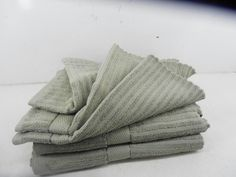 STRIPE DESIGN SOLID COLOR 5-PIECE TOWEL SET SAGE   $80 value