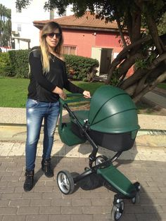 Sharon has one of the first mima xaris in British Green in Israel! Nice Trendy Changing bag, too! :)