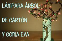 LÁMPARA DE CARTÓN Y GOMA EVA