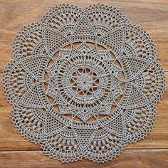 This Pattern Is Written Instructions Crochet Doily Rug, Crochet Puff Flower, Crochet Mandala Pattern, Crochet Dollies, Crochet Tablecloth, Thread Crochet, Crochet Doily Diagram, Diy Crafts Crochet, Crochet Home