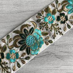 Embroidery Motifs, Beaded Embroidery, Embroidery Designs, Sari Fabric, Sari Silk, Ribbon Art, Silk Ribbon, Passementerie, Sewing Material