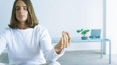 Therapien der Fibromyalgie  Behandlung der Schmerzen  Leider gibt es nicht 'das' Medikament, das gegen Fibromyalgie hilft. Bei der Behandlung von Patienten mit Fibromyalgiesyndrom spielen mehrere Säulen der Therapie zusammen.