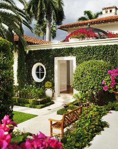 Read more about Mario Nievera Creates Gardens Worthy of Great Houses on @1stdibs | http://www.1stdibs.com/introspective-magazine/mario-nievera/