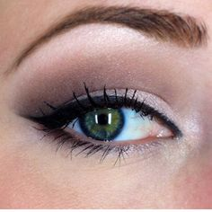 Mauve and brown eyeshadow. A smokey eyeshadow that works for day and night.