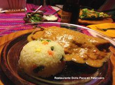 Chile Relleno en Salsa de Macadamia, platillos preparados de forma artesanal y productos de la Región, un delicia!