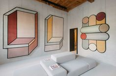 More gorgeous work from Spanish architect and designer Patricia Urquiola. Taking inspiration from geometric forms, Urquiola's collection uses simple shapes to Contemporary Interior Design, Luxury Interior Design, Interior Design Inspiration, Interior Decorating, Patricia Urquiola, Tapis Design, Funky Home Decor, European Home Decor, Carpet Design