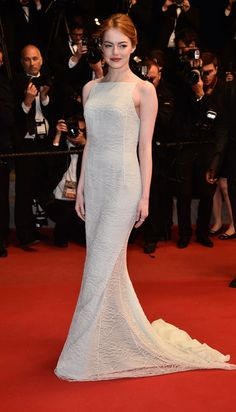 "Emma Stone en robe sur-mesure Christian Dior et choker Repossi en diamants pour la montée des marches du film ""Irrational Man"" http://www.vogue.fr/mariage/inspirations/diaporama/les-robes-blanches-du-festival-de-cannes-2015/20668/carrousel#emma-stone-en-robe-sur-mesure-christian-dior-et-choker-repossi-en-diamants-pour-la-monte-des-marches-du-film-irrational-man"